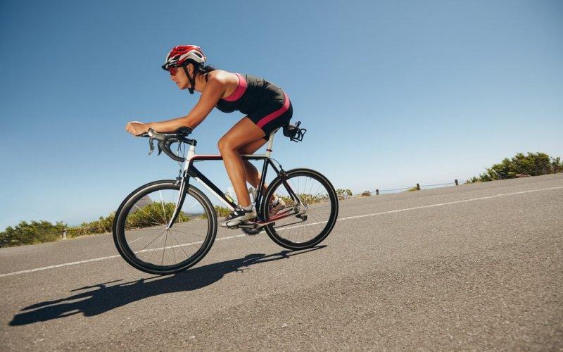 cycliste-triathlon-traitement-physiothrapie